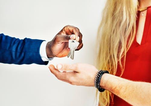 Aseguranza - Cambio de nombre transferencia de titulo